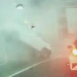 雨の影響で爆発するマンホール