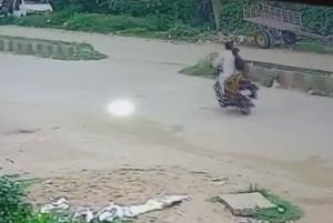 バイク4台が次々と事故に巻き込まれてしまう様子