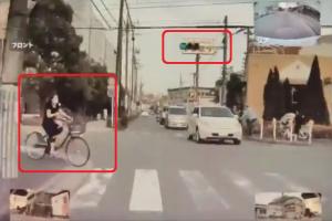 誤操作で飛び出す電動アシスト自転車