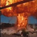 ガソリンスタンドがキノコ雲を伴う大爆発