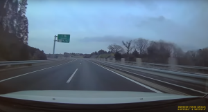 圏央道を暴走する撮影車