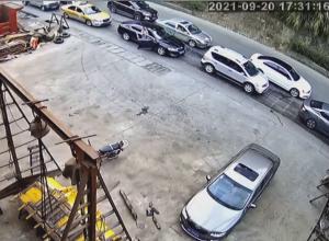 渋滞の列を作る車